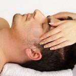 10883802-l-39-homme-d-39-obtenir-un-massage-du-visage